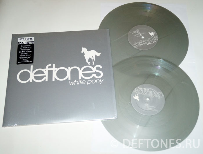 Винил Deftones — «White Pony» (2LP). Hot Topic Exclusive Silver Vinyl