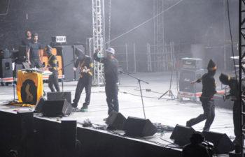 Чино Морено (Chino Moreno) вместе с группой Austin TV (Мексика) на фестивале Vive Latino 2010