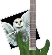 Примите участие в конкурсе и выиграйте гитару Стивена Карпентера с автографами группы Deftones или альбом «Diamond Eyes» тоже с автографами парней из Deftones