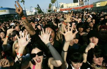 Группа Deftones ищет девушек-фанатов для участия в съемках клипа «You've Seen The Butcher»