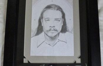 Портрет Чи Ченга с автографами участников группы Deftones