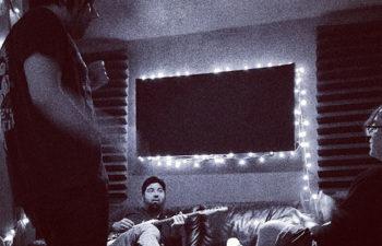 Шон Лопез, Чино Морено и Чак Дум (Crosses) в студии. 7 мая 2013 г.