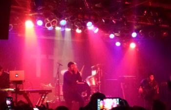 Выступление ††† (Crosses) в ночном клубе Pop's 10 января 2014 года