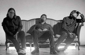 ††† (Crosses) — Чак Дум (Chuck Doom), Чино Морено (Chino Moreno), Шон Лопез (Shaun Lopez)