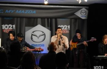 ††† (Crosses) выступают в 102.1 FM The Edge Mazda Music Lounge