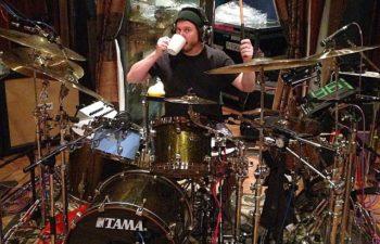 Deftones в студии. Барабанная установка Эйба Каннингама.