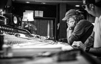 Продюсером нового альбома Deftones станет Тэрри Дейт