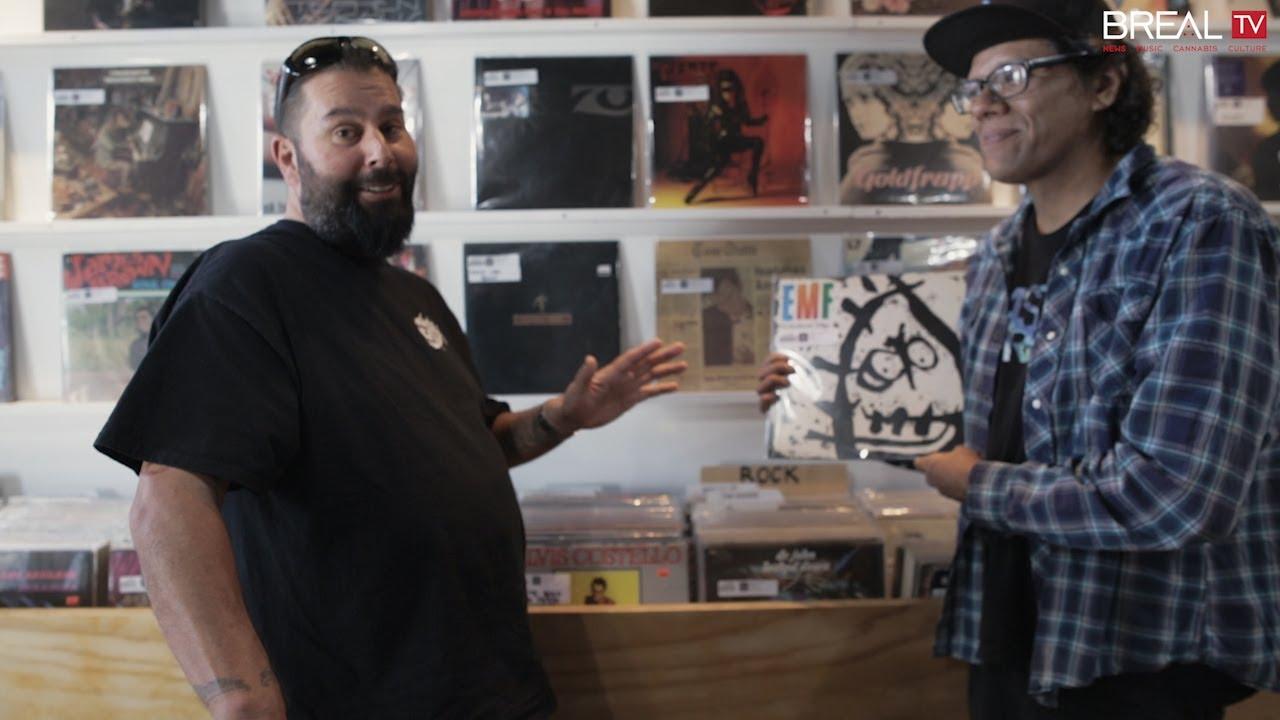 Cтивен Карпентер и DJ C-Minus в музыкальном магазине «High-Fidelity» в Лос-Анджелесе