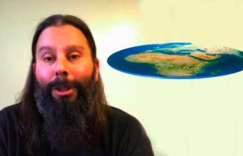 Стивен Карпентер «Если вы думаете, что живете на вращающемся, летящем космическом шаре, значит вы состоите в секте»